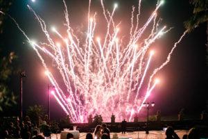Fuochi d'artificio in sala Baglio Borgesati durante i taglio della torta