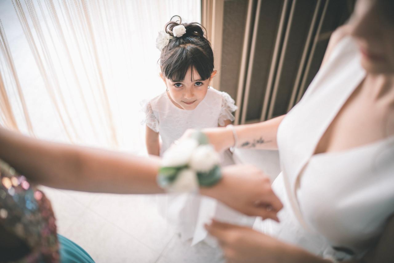 Bambina damigella. Fotografia di Tommaso D'Angelo