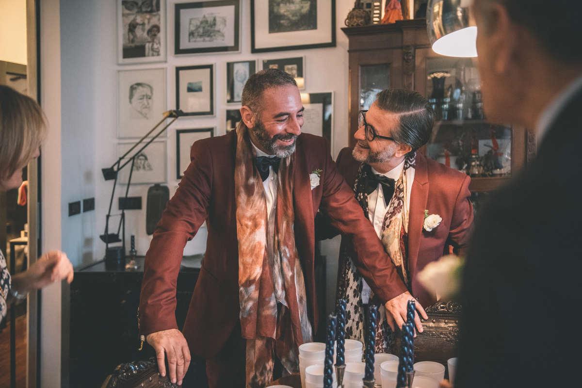 Sposi Gay in casa Prima della Cerimonia